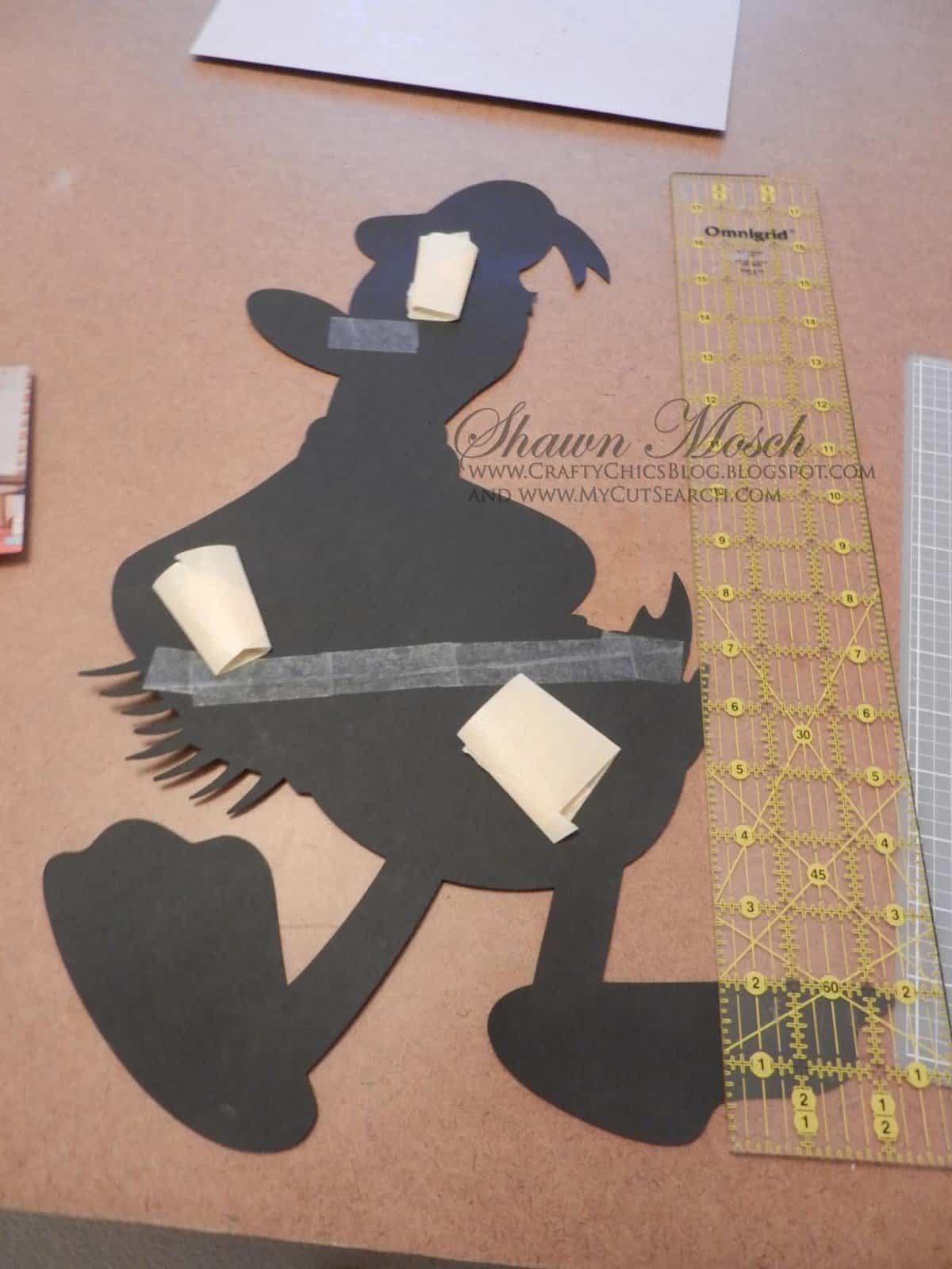 Donald Duck larger than mat project